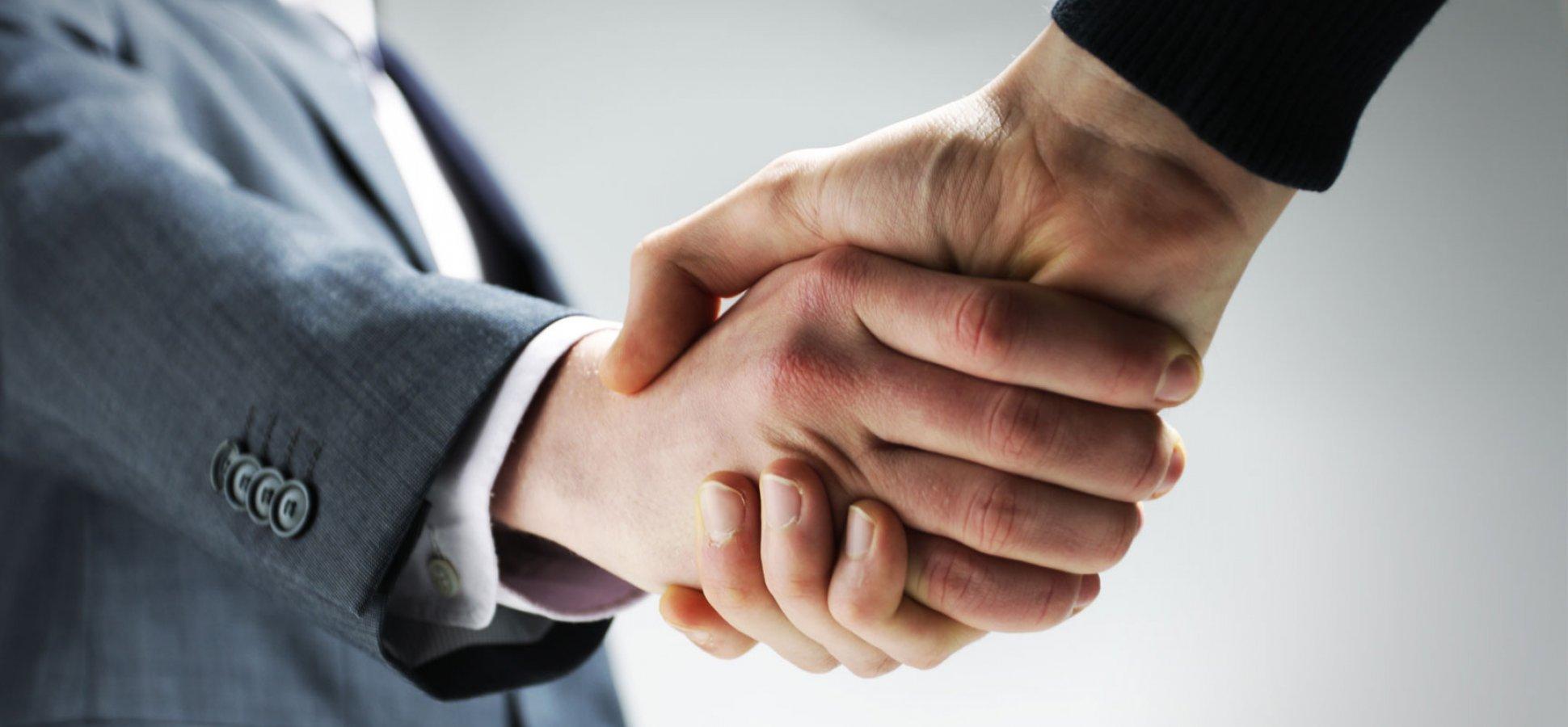cách sử dụng ngôn ngữ cơ thể trong kinh doanh