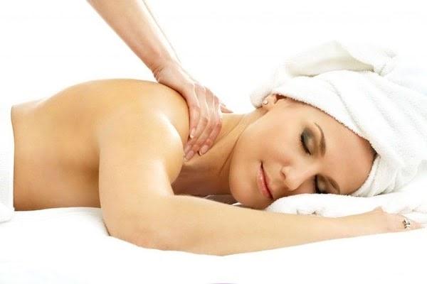 Massage toàn cơ thể mang lại nhiều lợi ích cho sức khỏe