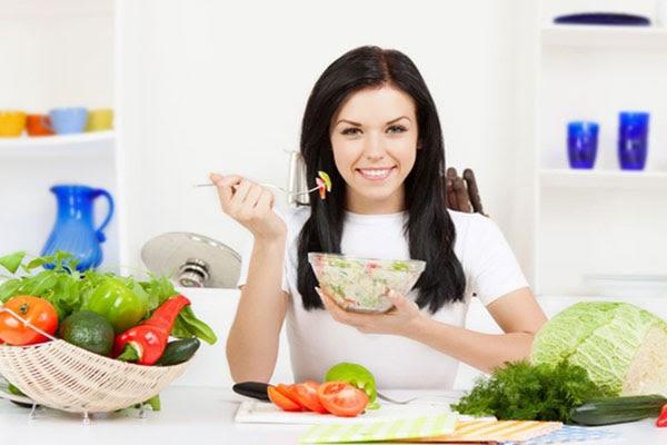 Trái cây và rau xanh không thể thiếu trong thực đơn giảm cân